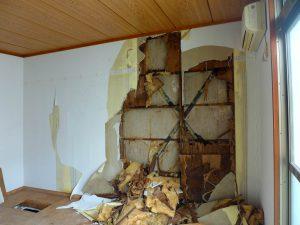 壁の中が腐っていた事例